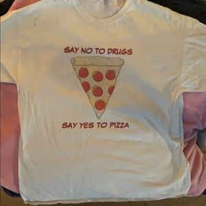 XL tee shirt